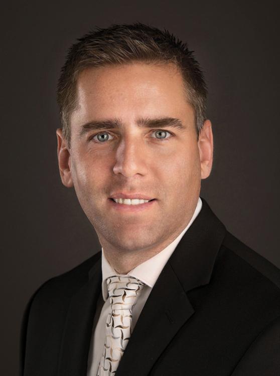 Dr. Steve Vargo headshot